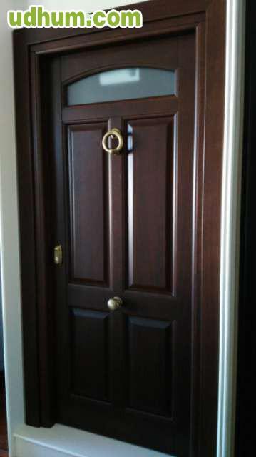 Puerta entrada madera maciza for Puertas entrada madera maciza precios