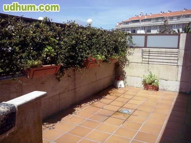 Bonito duplex con 20 m2 de terraza for Piscinas mutilva