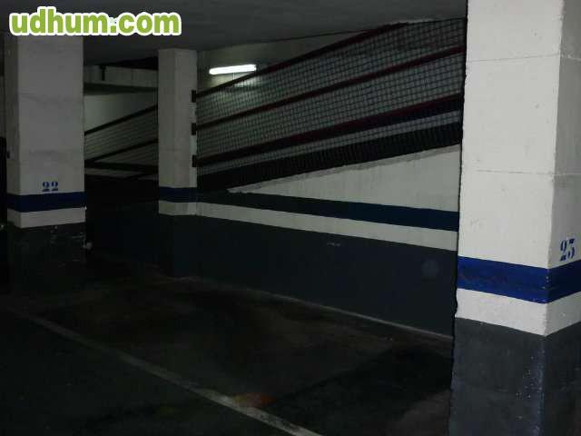Plaza de garaje para coche medio - Garaje para coches ...
