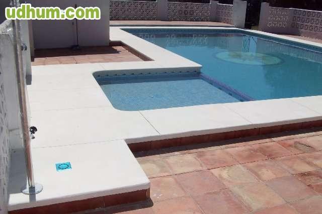 Construcci n reformas de piscinas cadiz for Piscina ciudad de cadiz