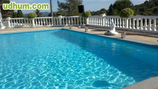Ocasion chalet piscina pista de tenis for Piscinas desmontables ocasion