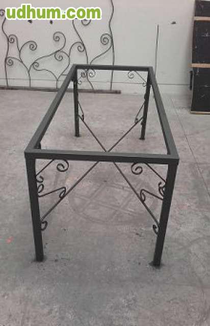 Mesa de forja de fabrica para comedor 1 for Patas de forja para mesas