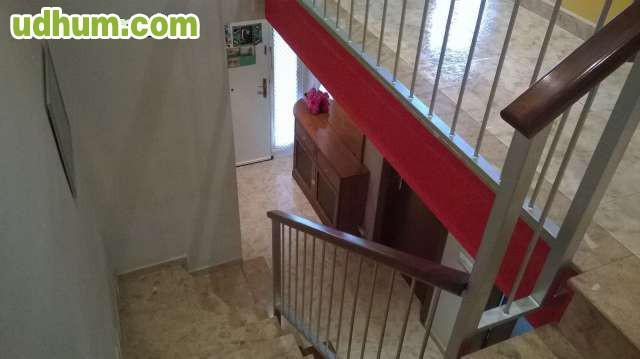 Se vende casa adosada en aviny for Piscina municipal manises