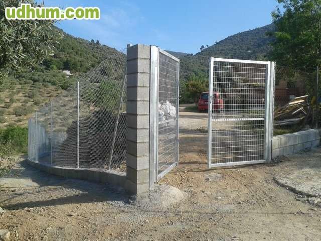 Tarifa plana 5 m2 valla met lica for Jardineria barata barcelona