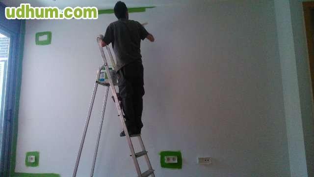 Pintor de 23 a os busca trabajo - Trabajo de pintor en barcelona ...
