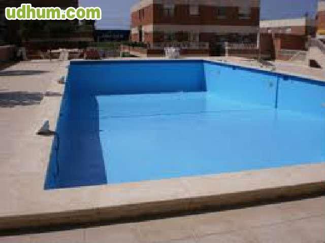 Recubrimiento de piscinas en poliester for Piscinas poliester