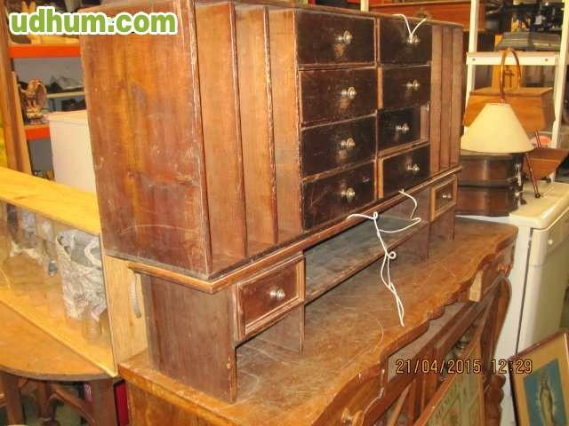 Muebles antiguos 13 for Restaurador de muebles antiguos