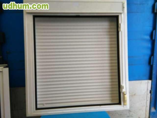 Ventana de aluminio con persianas for Ventanas con persianas incorporadas