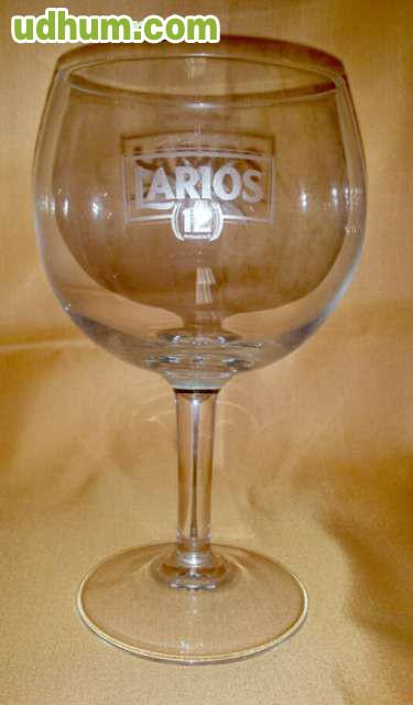 Lote 40 vasos y copas de marca para bar for Copas y vasos para bar