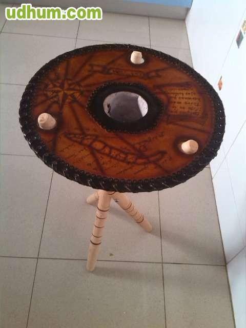 Mesa cubana piel y madera hecha a mano 1 - Mesas de madera hechas a mano ...