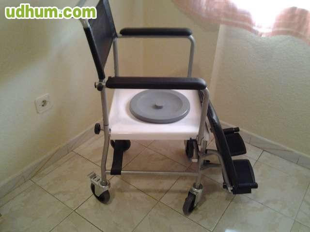 Silla de ruedas con water para enfermos for Sillas para water
