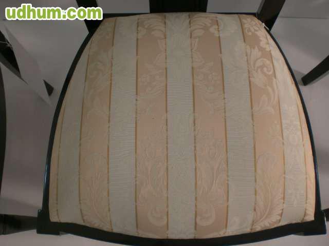 4 sillas de madera negras tapizadas for Sillas negras tapizadas