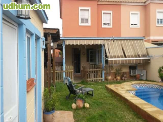 Zona mairena del alj espartinas for Piscina escuelas pias
