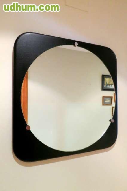 Gran espejo redondo cuero negro a os 70 for Espejo redondo negro