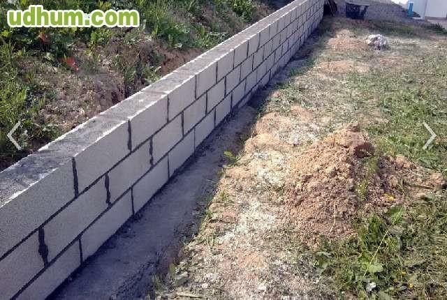 Muros y vallados de obra economicos for Bloques de hormigon baratos