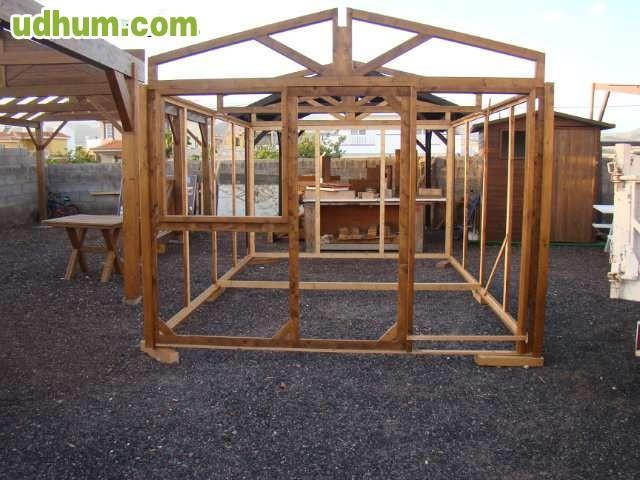 Pergolas y casa de madera for Vendo caseta de madera para jardin