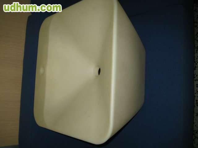 Pica de plastico inyectado marca cosmic for Pica lavabo roca