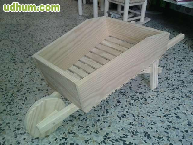 Carretilla en madera rustica for Carretillas de madera para jardin