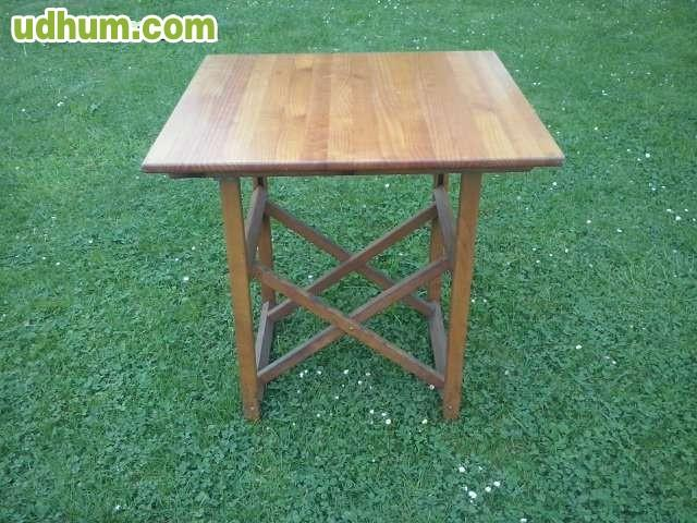 Sillas y mesas de madera 2 for Mesas y sillas de madera