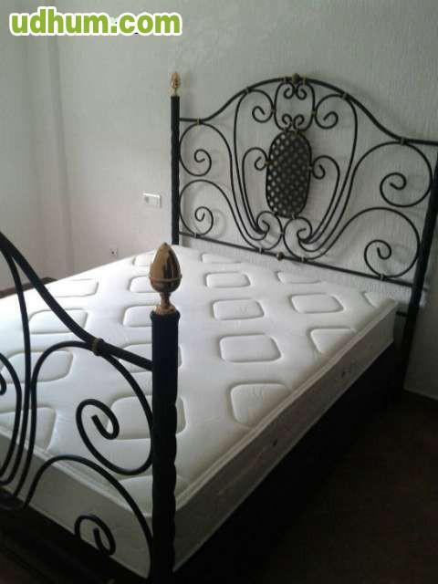 Vendo tresillo y cama completa econ mico for Cama completa precio