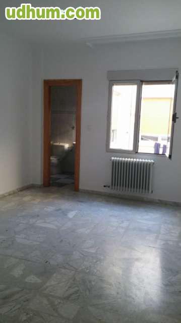Piso de tres dormitorios en tarazona for Pisos en tarazona