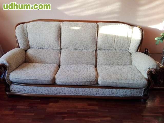 Sofa De Tres Plazas Y Dos Butacas