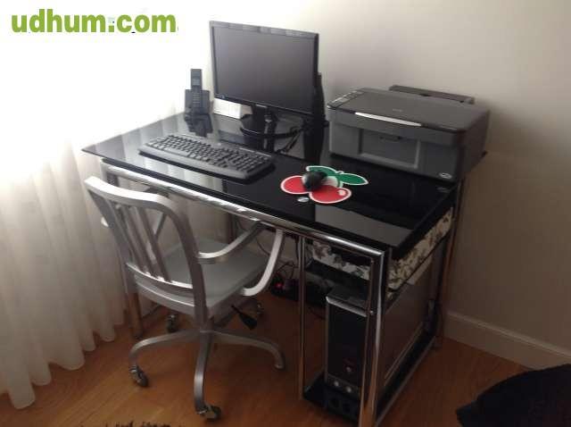 Mesa y silla ordenador dise o for Diseno mesa ordenador