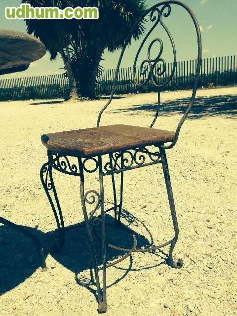 Sillas y mesas de forja hechas a mano - Mesas de madera hechas a mano ...