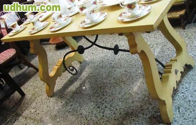 Mesa con patas de lira y hierro for Muebles lira coslada madrid