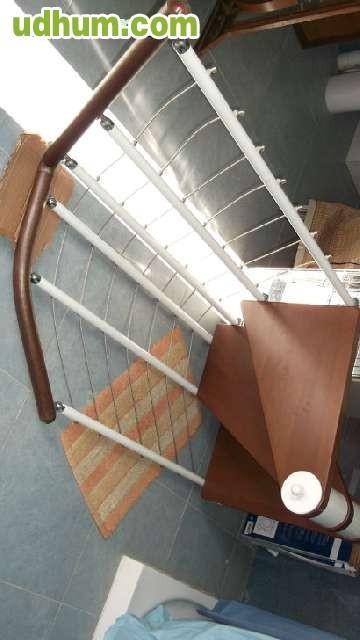 Escaleras de madera y hierro for Escalera recta de hierro y madera