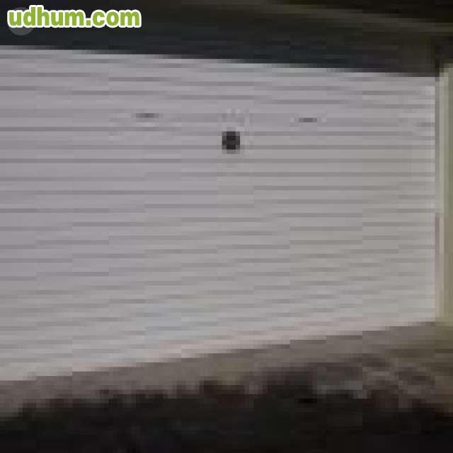 Puerta garaje 18 for Puerta garaje metalica