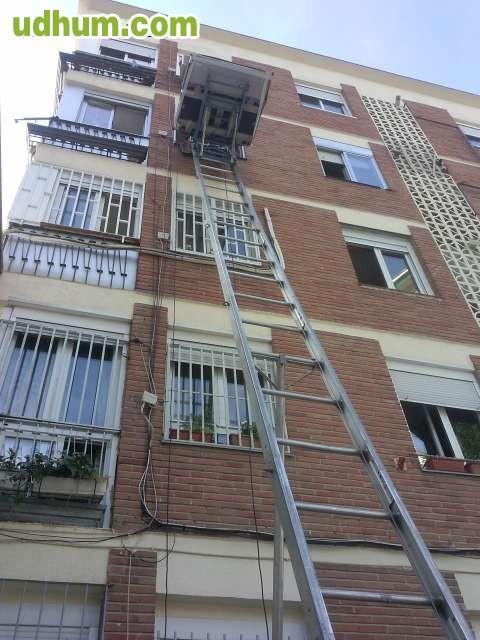 Camiones y furgones para portes mudanzas for Mudanzas torrejon de ardoz