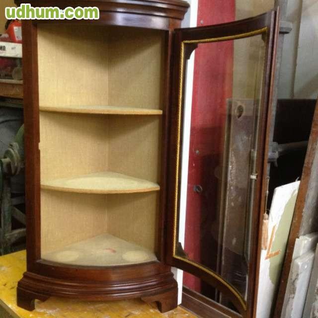 Mueble esquinero vidrio curvo for Bar madera esquinero