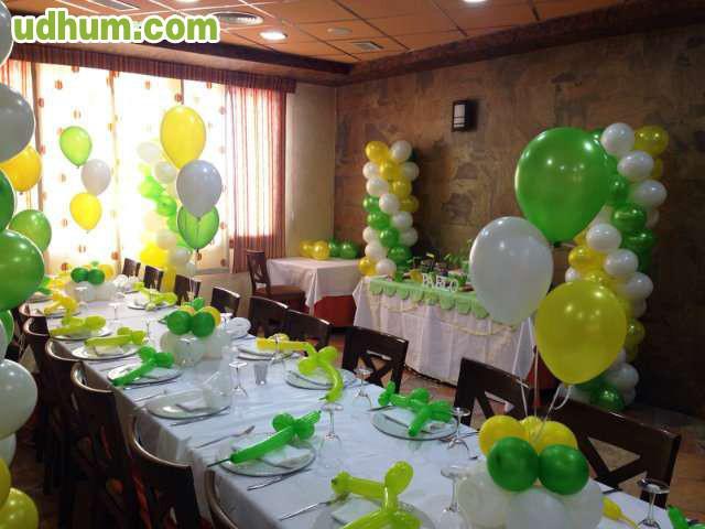 Mesas de dulces y decoracion for Decoracion mesa dulce