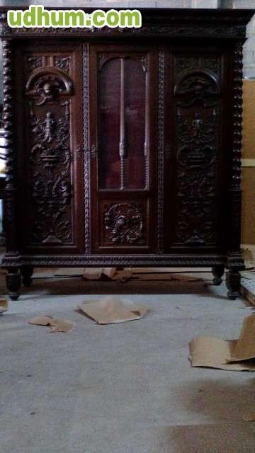 Muebles antiguos 61 for Restaurador de muebles antiguos