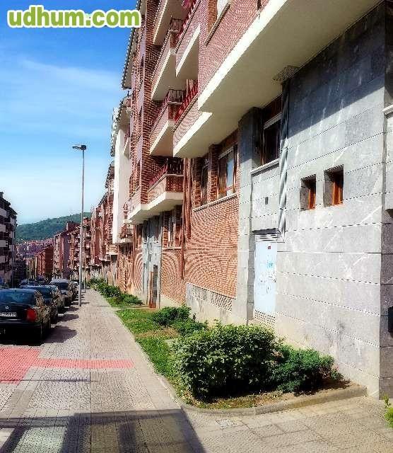 Piso con terraza en etxebarri for Pisos alquiler etxebarri