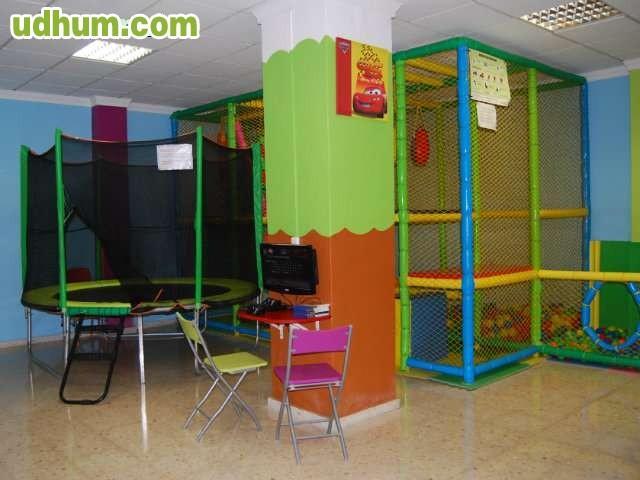 Local para cumplea os fiesta park for Cama elastica carrefour