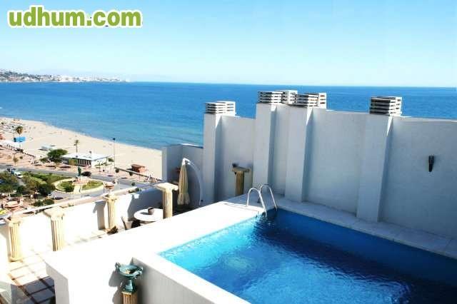 Tico duplex con piscina privada for Atico con piscina privada