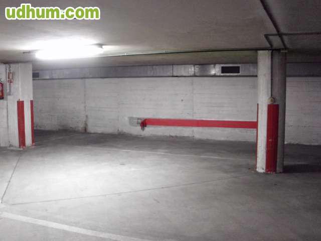 Alquiler amplia plaza garaje for Anuncio alquiler plaza garaje