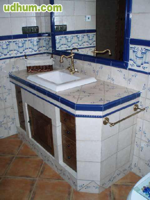 Cambie su ba era por plato de ducha 16 for Bajo lavabo de obra