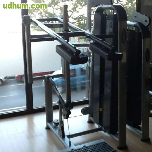 Maquinas para gimnasio de todo tipo 19 for Gimnasio 19