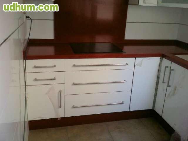 Montador de muebles carpinter a propia for Montador de muebles
