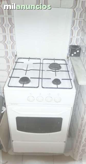 Cocina con horno y fogones ideal camping for Horno con fogones