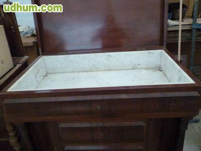 Mueble bar biedermier en madera de palma de caoba con interior de