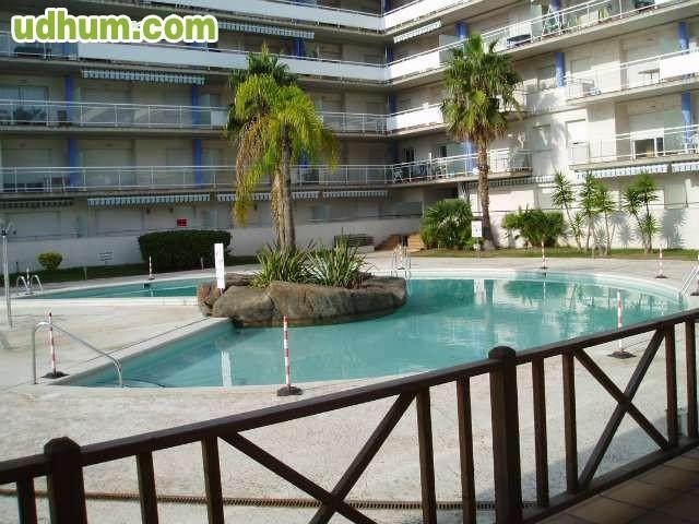 Apartamento en roses con piscina for Piscina roses