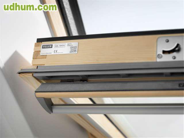 Cortinas para ventana de tejado velux 1 for Persianas velux precios