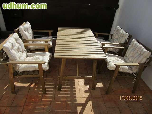 Mesa de jardin con sillas for Astillas de madera para jardin