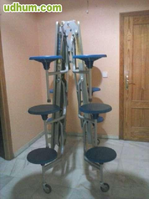 Mesa con 16 asientos plegable y movil for Mesa plegable con asientos