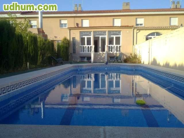 Gran ocasion chalet adosado piscina for Piscinas desmontables ocasion