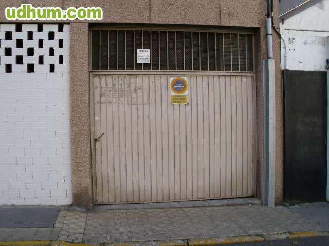 Alquiler amplia plaza garaje for Alquiler garaje
